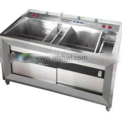 Automatic Sprinkling Vegetable Sanitizer Machine With Brush Roll