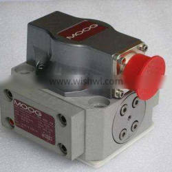 D955-5165-10 63cc 112cc Displacement Heavy Duty Moog Hydraulic Piston Pump