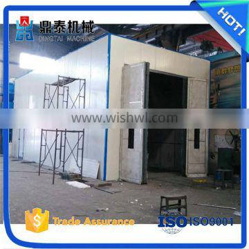 Reduce noise sand blasting room, used in processing complicated workpieces