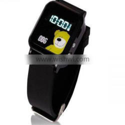 GSM Quad-band global using worldwide SOS function kids watch gps tracker rohs manual with voice monitoring