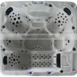Powerful Jets Outdoor Spa With Purify System