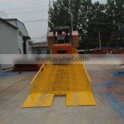 container lifting device