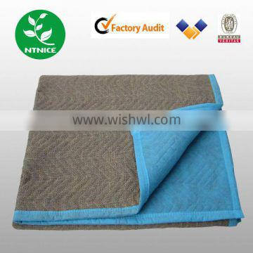 Waterproof Moving Blanket made of polyester and recycle cotton filling