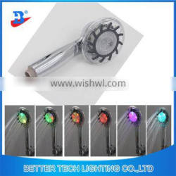 2016 Plastic colorful bath shower with 6LEDs
