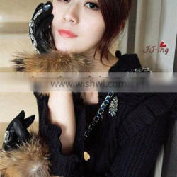 Raccoon fur gloves thermal gloves genuine leather gloves screw female with Heart shaped diamond