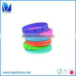 2016 Hot sale silicone rubber college team bracelets
