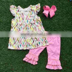 Free delivery girl summer clothing boutique clothes children pink feather clothing girl folds Capri Set hairhows