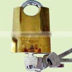 Beam-wrapped iron padlock golden-plated