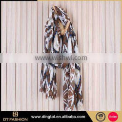 Classic woman scarf blanket scarf with tassels different types plain cheap scarf
