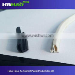 Belyn hot sale sliding window rubber seal strip for glass door