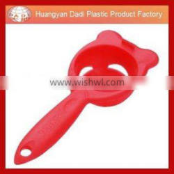 Factory direct supply kitchen ware egg dividing from china