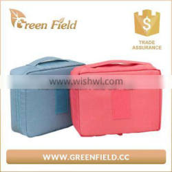 Wholesale 600D polyester cosmetic makeup bag with zippered closure