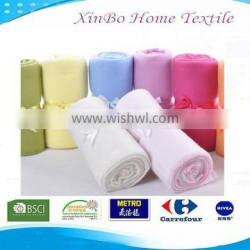 2015 Hot Sale China Factory 100% Polyester 130*170cm Solid Polar Fleece Soft Blanket