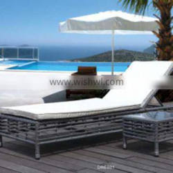 New style sunshine rattan wicker sun lounger chaise with stands