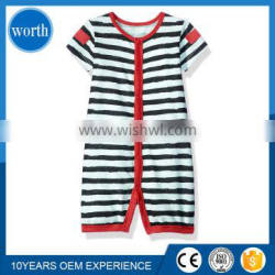 (Latest Style) 2017 Stripped Black and White Cotton Infant Romper Made in China