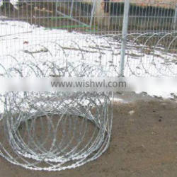 high tensile galvanized sharp razor barbed wire for Highway guardrail