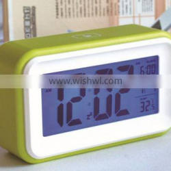 2015 new hot sale Smart touch screen digital alarm clock with temperature function