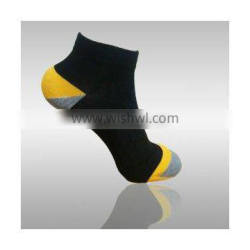 2016 New arrival black breathable fashion sport ankle custom socks