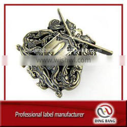 High Precision Custom Design And Military Cluth Type Bronze Brushed Back Metal Ancient Decoration Badge