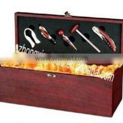 Deluxe wine box with accessories
