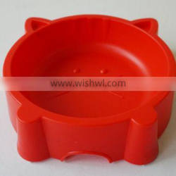 Cat shaped plastic pet bowl with anti skid on bottom