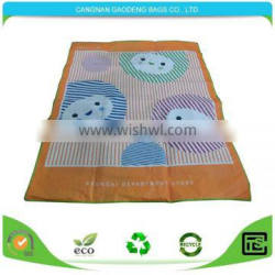 Eco-friendly beach mat for outdoor camping