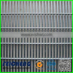 wire mesh fence strainer for cattle fence