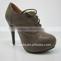 2014 nice fashion style lady shoes and top
