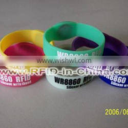 13.56MHz 1K/4K RFID Event Wrist Bands,Waterproof Silicone RFID Wristbands for Club