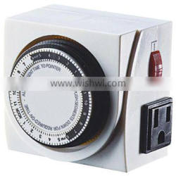 Easy-operation small 24 Hours mechanical timer with switch & two side outlets