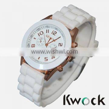 Crazy selling popular Geneva silicone watches 14 colors.Cheap price colorful silicone wrist watches,geneva platinum watch