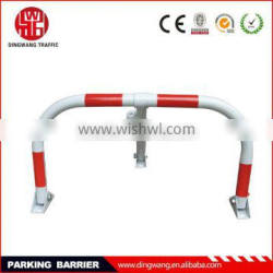 Manual parking barriers