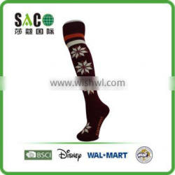white snow pattern red and white stripe garnet knee-high sports socks