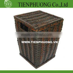 large storage trunk with lid