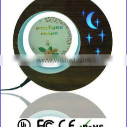 Latest photo frame plastic round photo frame , photo frame with led lights