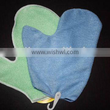 Microfibre cleaning glove