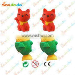 Japanse lucky cat and fish shaped eraser