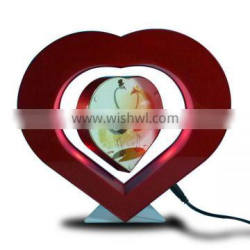 Heart shape red acrylic magnetic floating photo frame