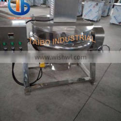 Tilting jacketed kettle for cooking sauce