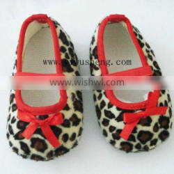 2012 Hot-selling fashion soft and cute children shoes