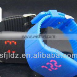 China Wholesale Custom Silicon Led Watch High Class Watches