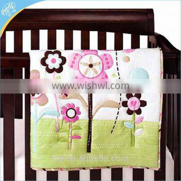 Bright embroidery flowers quilts 100% cotton baby bedding set