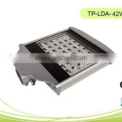 Hot sales CE/RoHS approvalwith low price LED SMD Street Light 42W