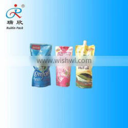 liquid laundry detergent packaging bag with spout