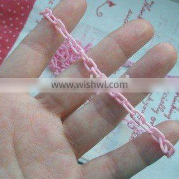 small pink plastic chain