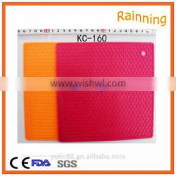 SILICONE HEAT RESISTANT MAT FOR HAIR STRAIGHTENER & IRON PROOF TRIVET MAT