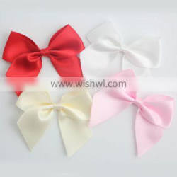 Colorful solid satin packing pre tie bows for gift
