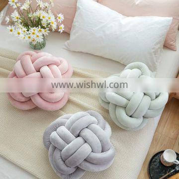 2017 INS Hotsale Fashionable Knot Pillow by Hand Knit From China Factory Ins Pillow