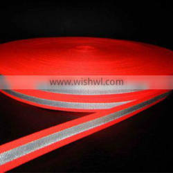 The reflective ribbon with banding