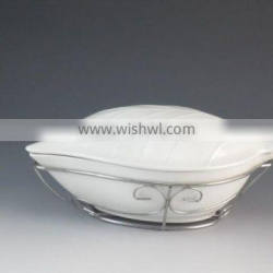 2016 Fancy Leaf-Shaped Design White Ceramic Type Tureen With Metal Stand